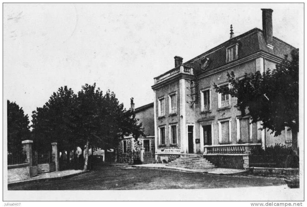 cartes-postales-photos-Mairie-VERNOUX-EN-VIVARAIS-07240